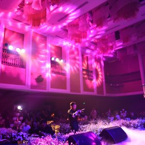 Golden Night party - Ho Ngoc Ha bieu dien tai Ky niem 1 nam CGH