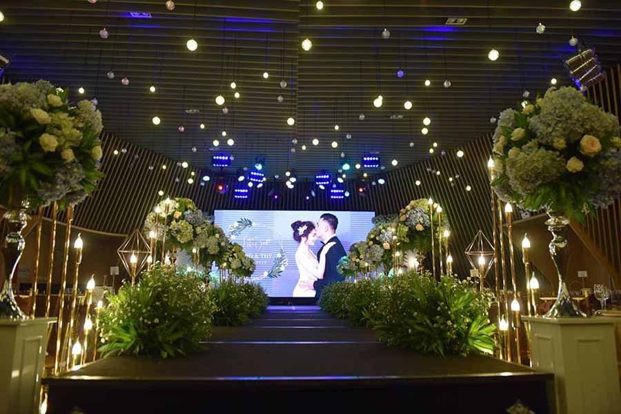 Không gian tổ chức tiệc cưới đẹp 7